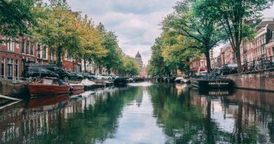 Amsterdamis saab tellida plastipüügi tuuri kanalitel