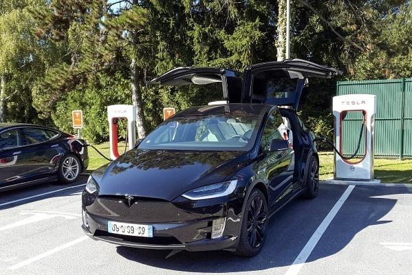 Elektrisõiduki toetust saab taotleda Tesla ostuks. Elektriauto; elektriautot